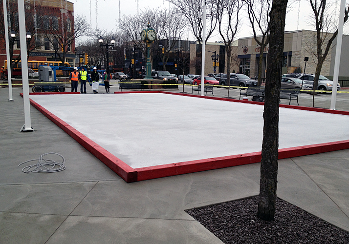 30' x 60' permanent rink with RinkMate Kit Chiller
